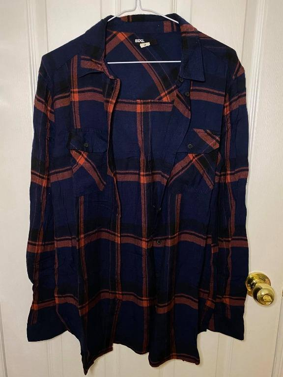 Urban Outfitters BDG Flannel / Plaid Shirt - Navy and Red (size M)