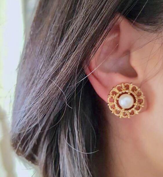 Chanel 鈕扣耳環