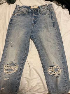 Garage boyfriend blue ripped jeans