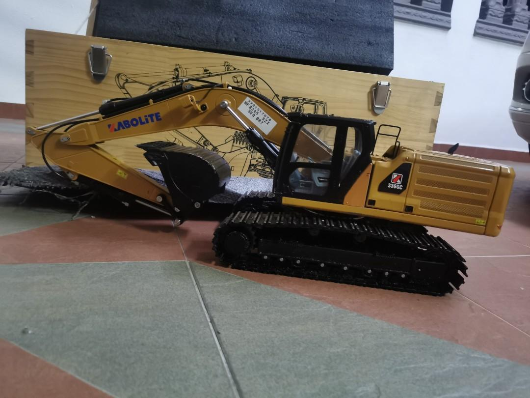 Rc Excavator For Sale Kabolite Huina Hydraulic Toys Games Other Toys On Carousell