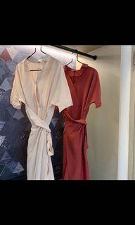 玫紅色洋裝