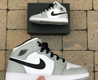 Jordan 1 mids smoke grey