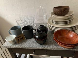 MOVING OUT SALE! KITCHEN ITEMS!