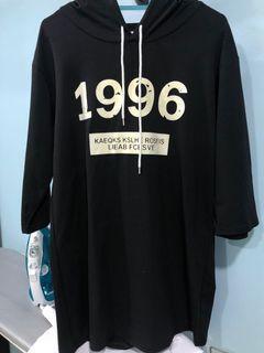 "Xinyi black ""1996"" oversized long sleeve hoodie"