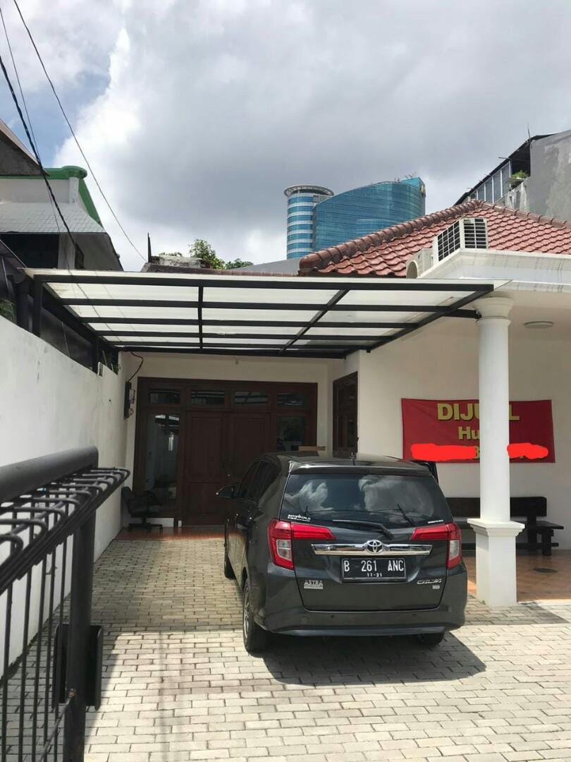 Rumah siap huni baru renovasi luas dengan akses pinggir jalan cocok untuk kantor di sekitar Mampang Jakarta Selatan