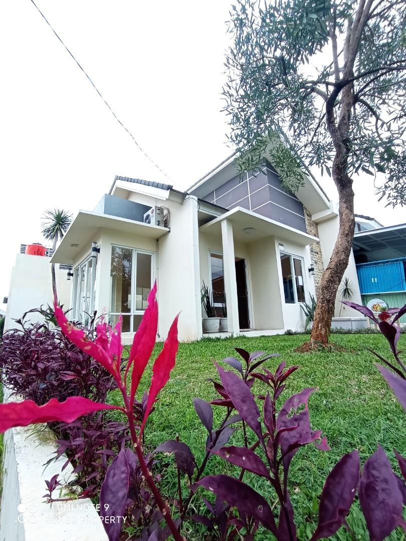 Rumah Siap Huni Tanah Luas Dekat Pintu Tol Cimanggis