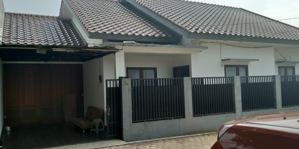 RumahSecond Siap Huni di dalam Komplek Perumahan, Pinggir Jalan Raya Kodau Kota Bekasi, Bangunan Kokoh