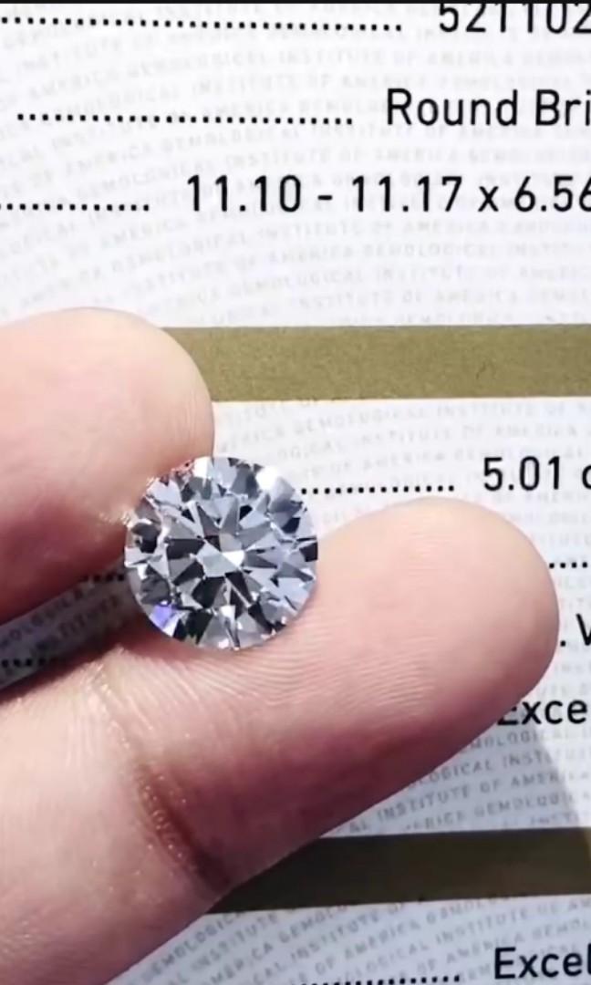 Jan best buy 💓 5CT diamond