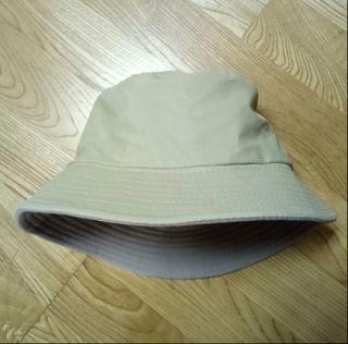 帽子 內刷毛 漁夫帽 紳士帽 小圓帽 杏色 酒紅色 韓系 韓風 日系 復古 古著 懷舊 淺卡其色 似pazzo lovfee mercci22 uniqlo caco genquo 亮面漁夫帽