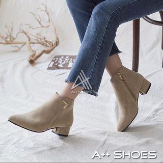 [A++]  V字駝色絨面尖頭踝短靴 靴子