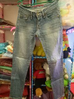 Logo jeans girl #salefeb