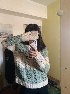NET 綠白相間條紋針織洞洞毛衣