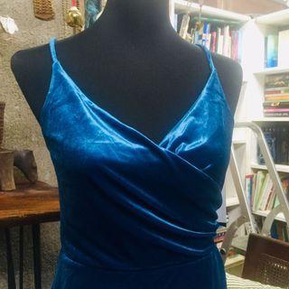 BN🌟 Velvet Blue Aurora V Neck Strap Dress
