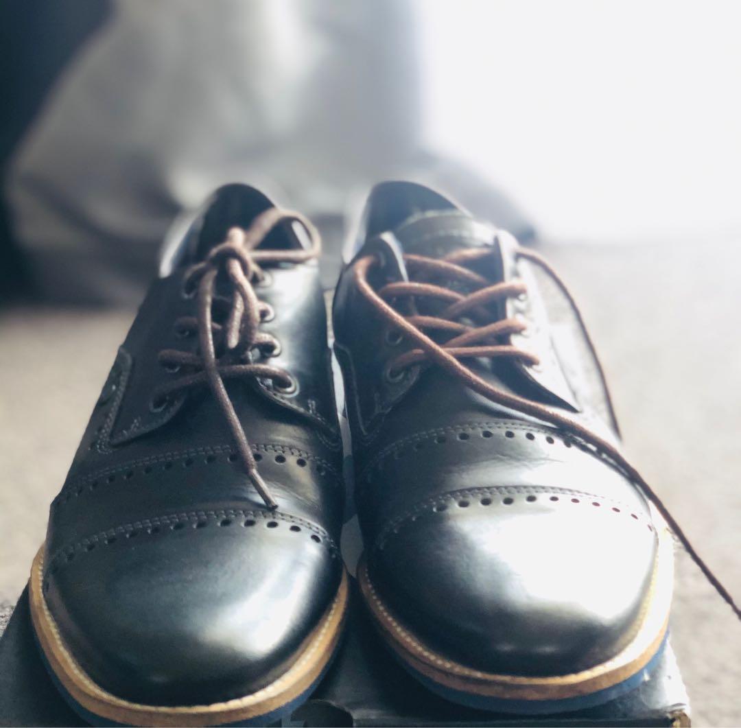 Shoes black , wild Rhino