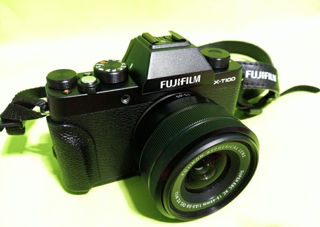 XT100 Fujifilm Mirrorless Camera