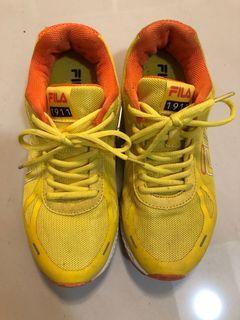 FILA球鞋
