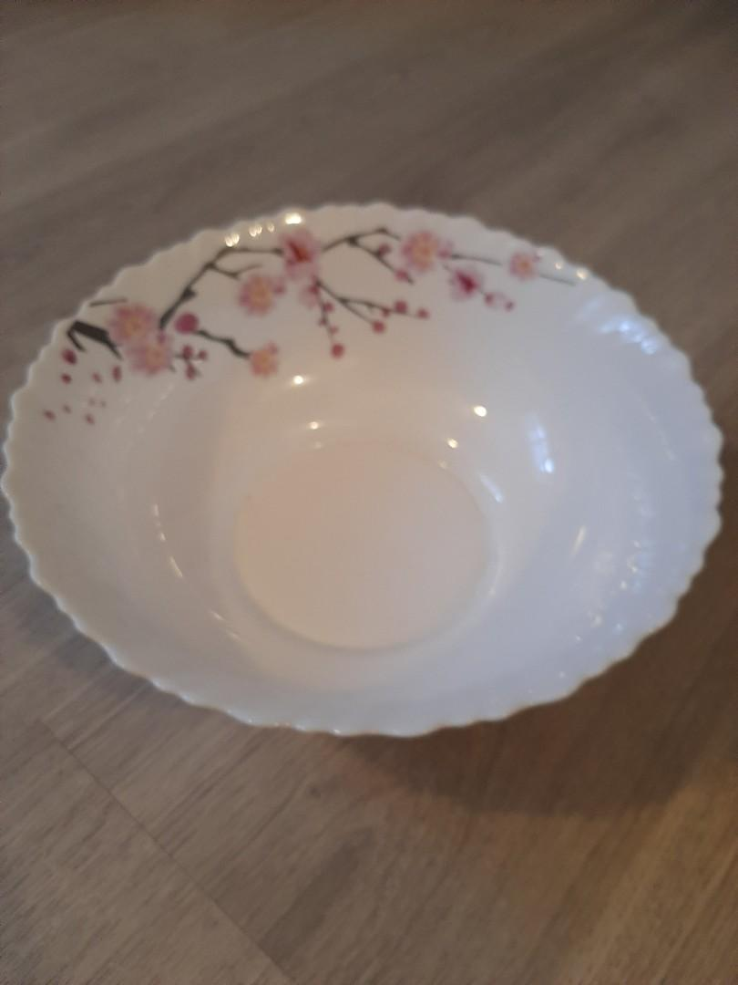 Mixing or serving bowl