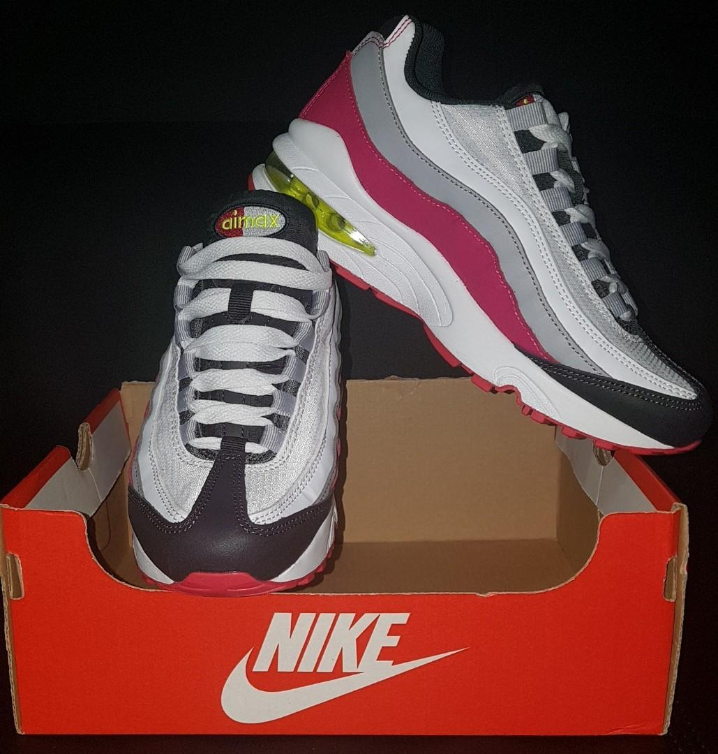 Nike Air Max '95 (Size: 5 Youth = 6.5 Womens)