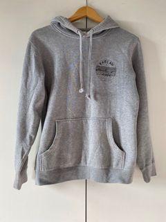raglan surf hoodie