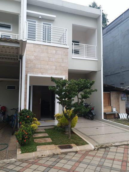 Rumah 2 Lantai Ready Dalam Cluster Pinggir Jalan Di Jatimelati Pondok Indah