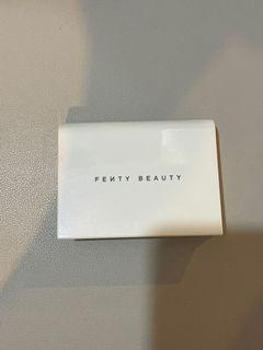 Fenty Beauty Invisimatte Blotting Powder Universal
