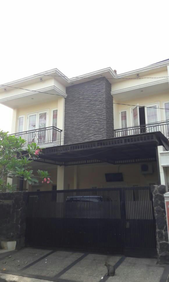 Rumah Minimalis Murah Bagus Siap Huni.  Selangkah ke toll Becakayu. Pondok Kelapa Jakarta Timur.