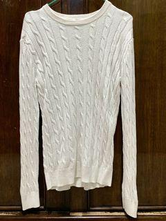 Sweater Rajut Kepang Uniqlo