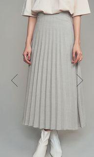 全新 顯瘦淺灰百褶裙