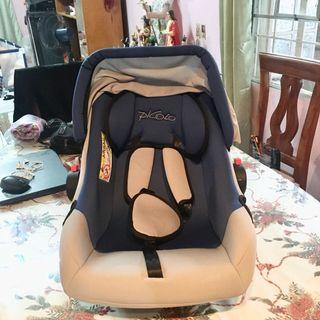 Picolo Baby Car Seat and Rocker with Free
