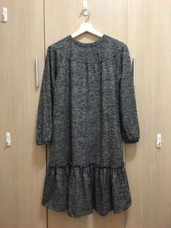 Zara花灰色洋裝