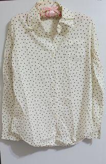白色長袖星星襯衫