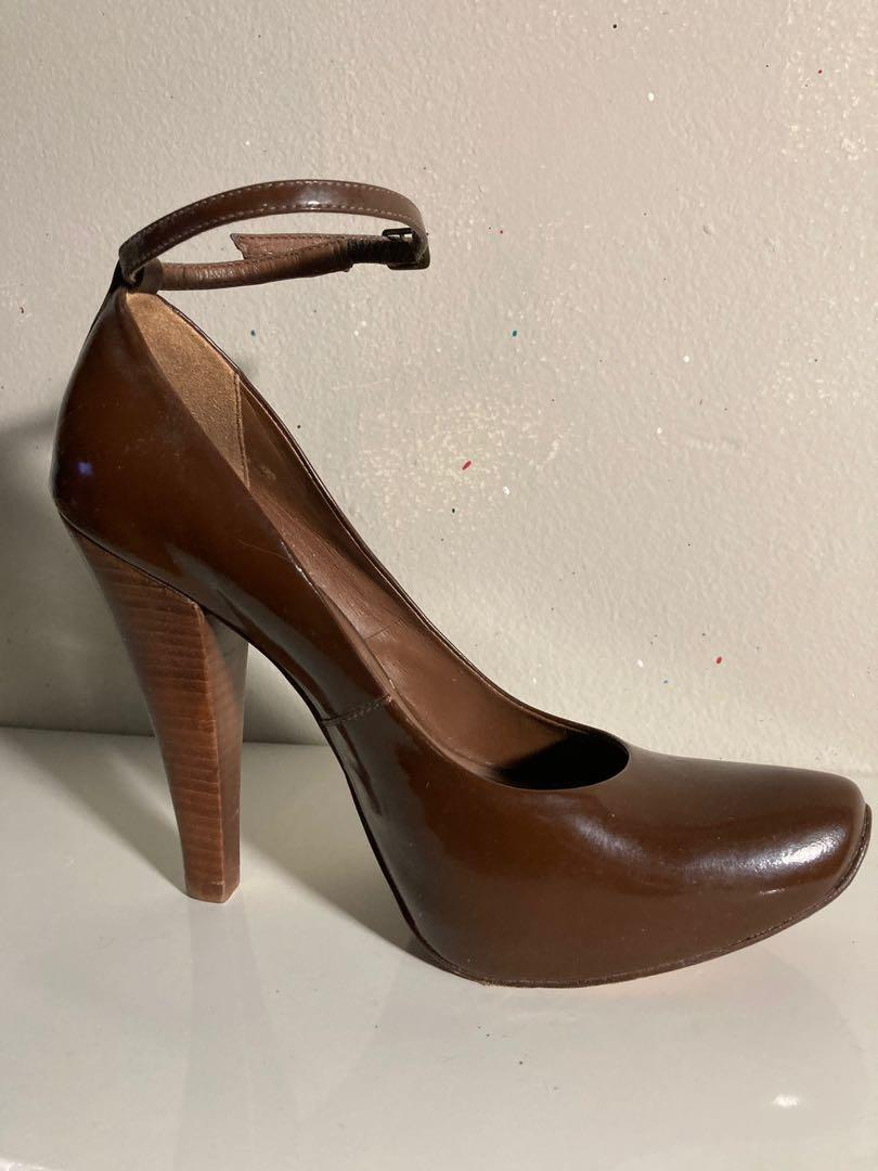 Down leather also pumps