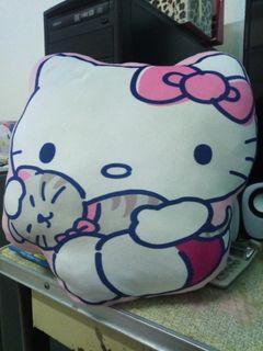 Hello Kitty抱枕