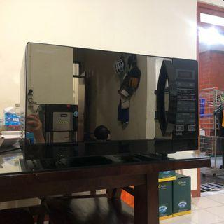 Microwave Oven SHARP R728 25 Liter 1000 Watt Hitam