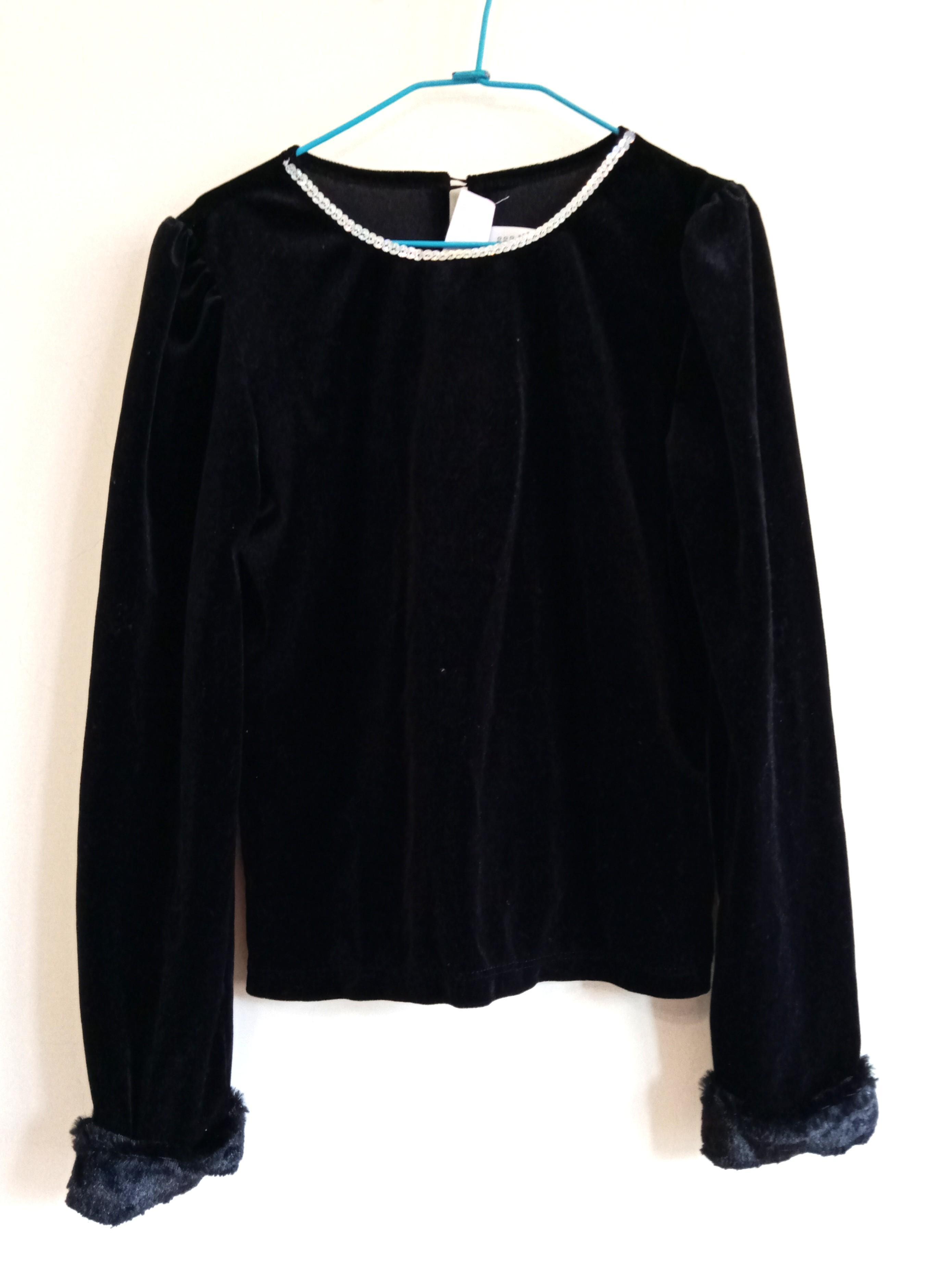 黑色絨布袖子接毛上衣
