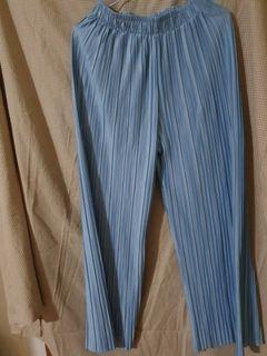 買一送一新未穿光澤水藍直筒寬褲