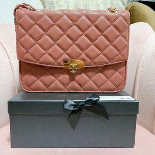 C-keith QUILTED CHAIN FLAP CROSSBODY BAG - CHERRY PINK