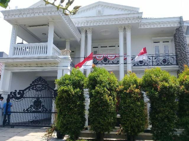 Rumah mewah dalam komplek di Pulogebang Jakarta timur