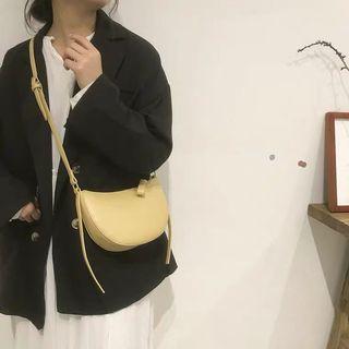 鵝黃色側背包