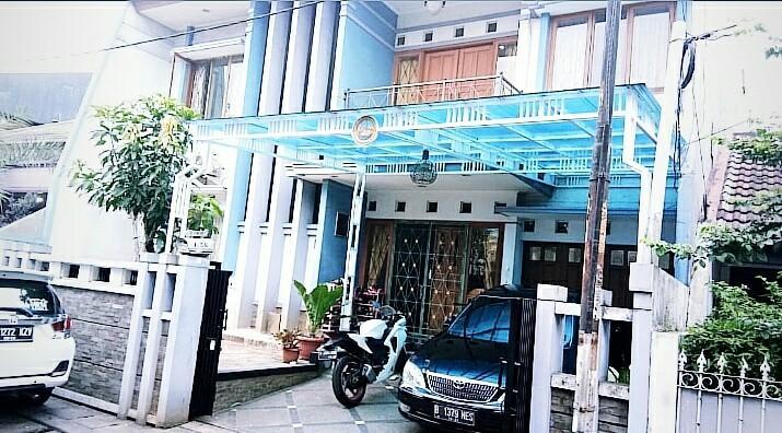 Dijual Cepat Rumah Minimali Dalam Komplek lokasi dekat ke  jalan raya di Pondok Kelapa Duren Sawit Jakarta Timur