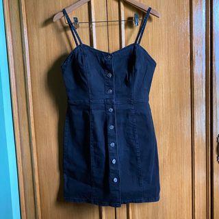 L - XL Black denim button down dress