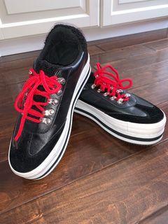 Black platform shoes size 10