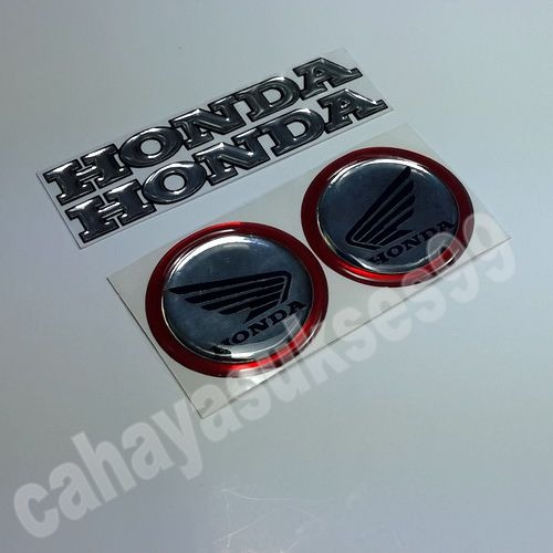 Sticker Motor Emblem Timbul Logo Honda Bulat Silver List Merah 1set 2pcs Stiker Resin Timbul HONDA Size Kecil 10cm 1set 2pcs Sticker Reflective