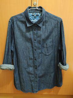 Uniqlo暗藍牛仔襯衫