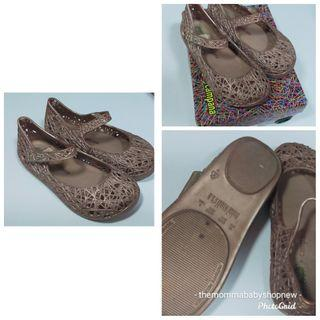 950 only! Good as New Mini Melissa Campana S9!