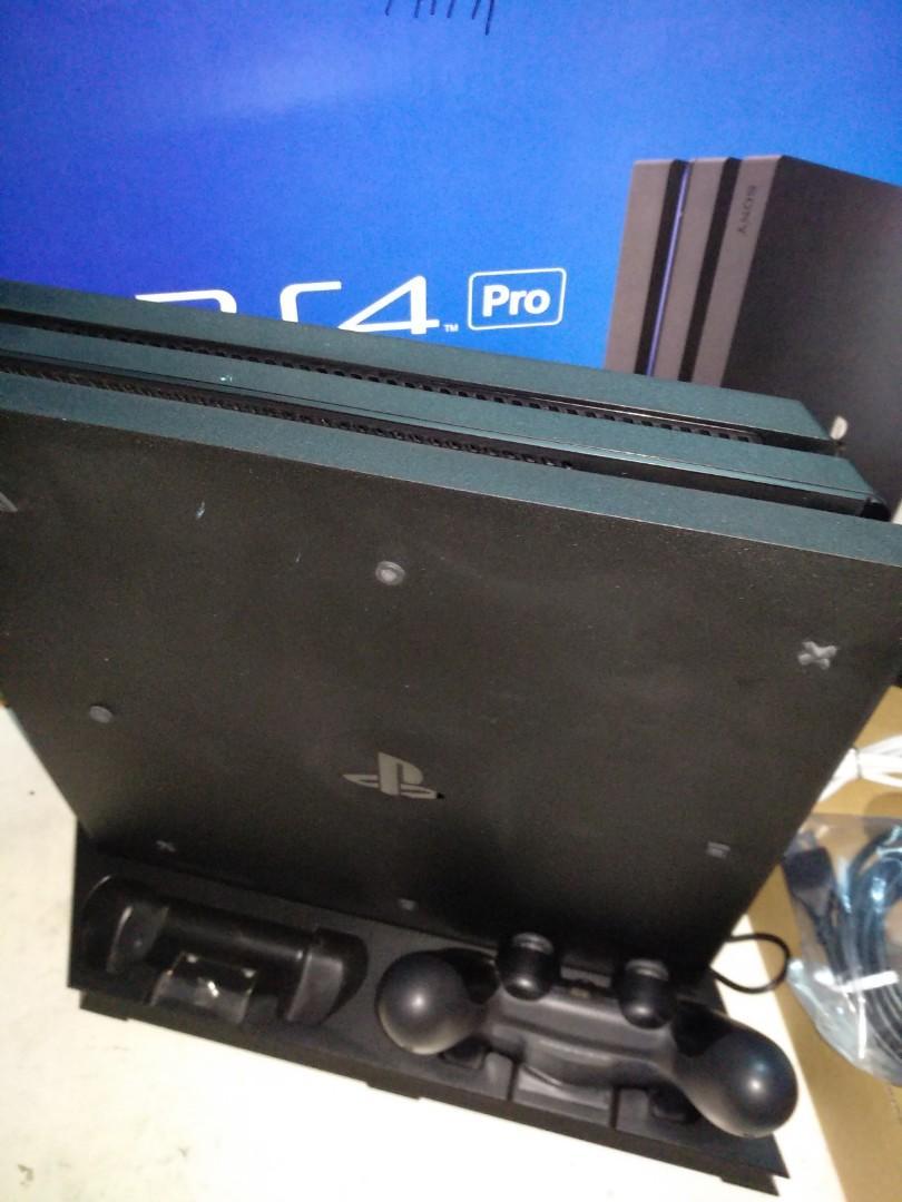 (可免運費) PS4 PRO主機 1TB 配件完整 充電散熱兩用直立底座