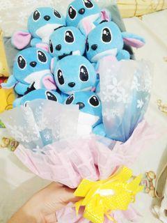 bouquet wisuda boneka stitch biru disney