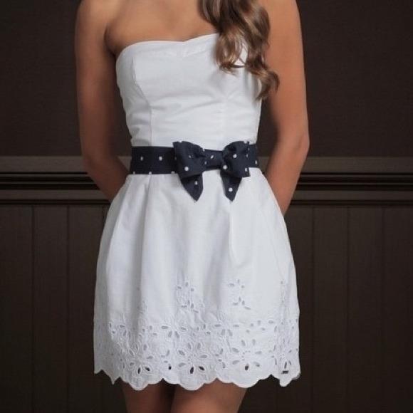 Hollister Strapless Dress - White (size M)