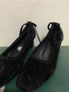 Sepatu Selop Suede Hitam/Heels Hitam