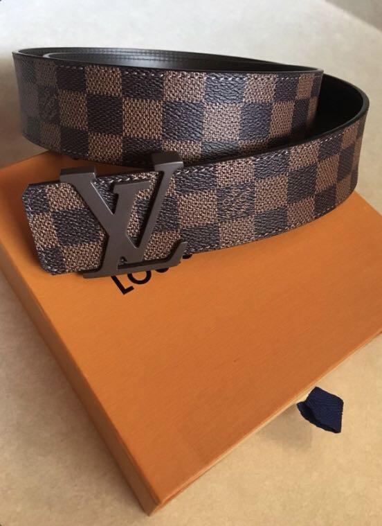 Louis Vuitton belt with box